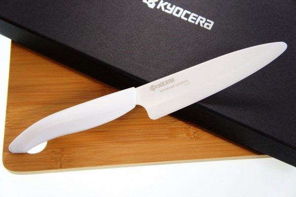 Zestaw prezentowy - Ceramiczny nóż do plastrowania 13cm + deska Bambusowa Kyocera