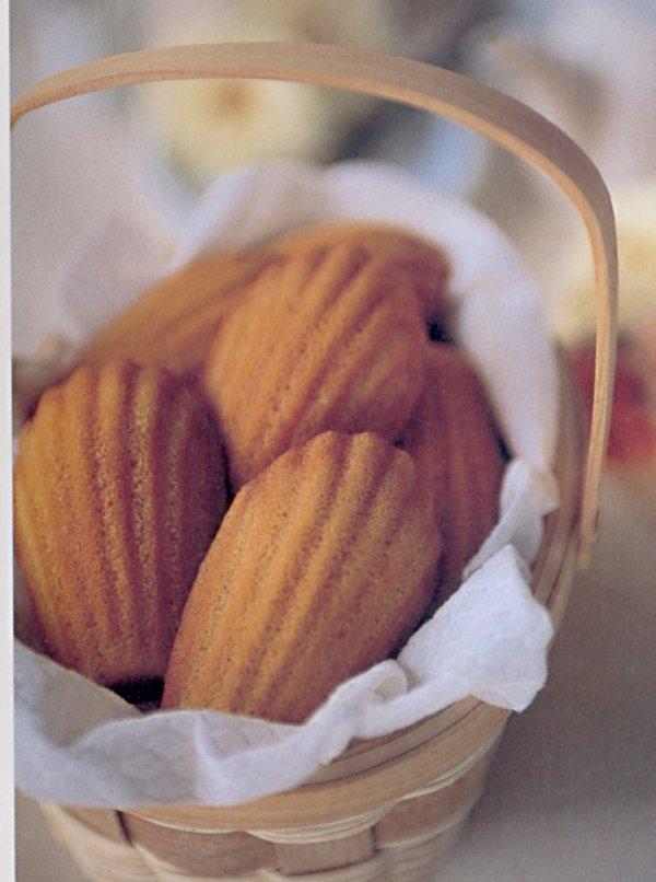 Forma do magdalenek GOURMET (9 ciastek) Lekue