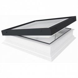 Fakro Okno do płaskiego dachu DMG P2 U=0,92 W/m²K, otwierane manualnie przy pomocy drążka ZSD, z płaskim segmentem szklanym