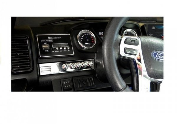 Auto na akumulator Ford czarny 4x4 2,4G