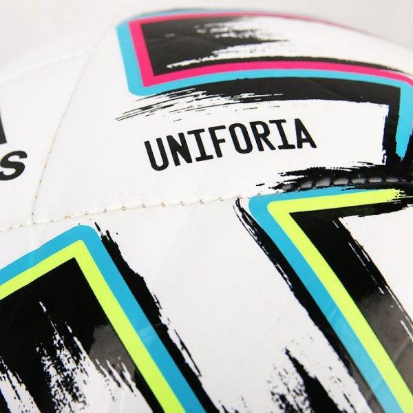 Piłka adidas UNIFORIA Training Sala FH7349 biały 4