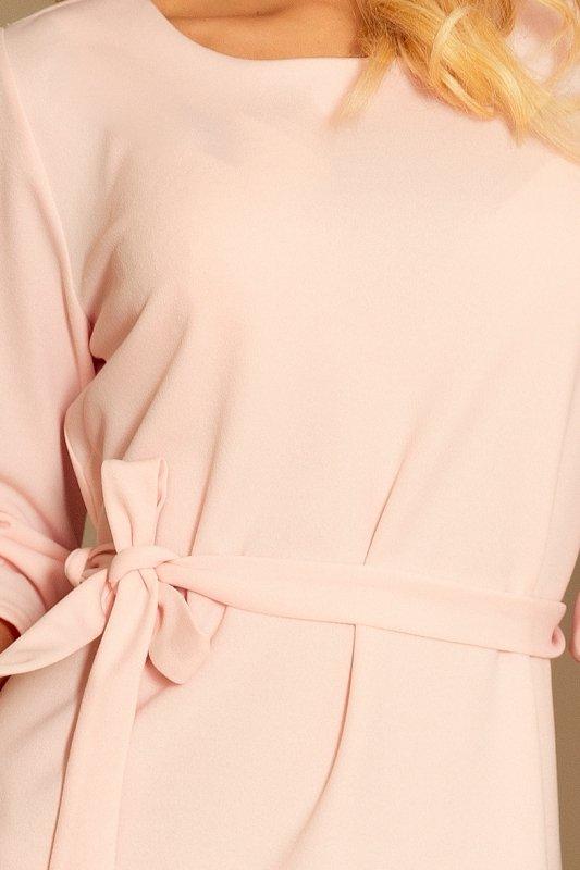 Sukienka z falbankami i paskiem Maya - Pastelowy Róż - numoco 193-2