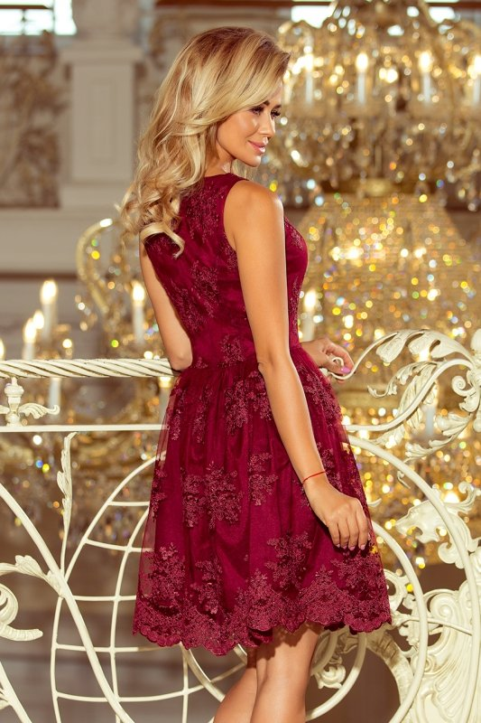 Ekskluzywna rozkloszowana sukienka z haftem - Bordowa - numoco 173-2