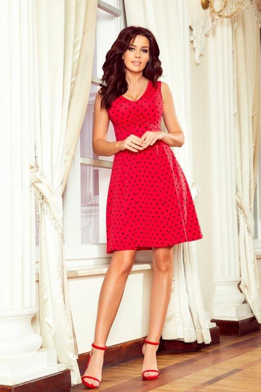Rozkloszowana sukienka z dekoltem Betty - Czerwona w groszki - numoco 238-1
