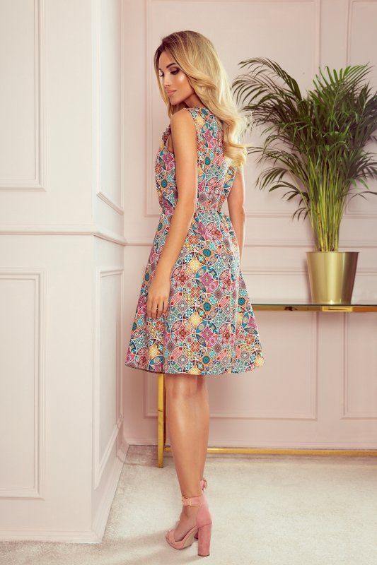 Trapezowa sukienka w kolorowy wzór VICTORIA