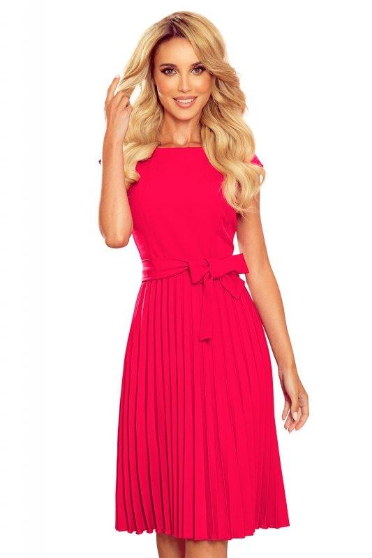 LILA Plisowana sukienka z krótkim rękawkiem - kolor MALINOWY -6