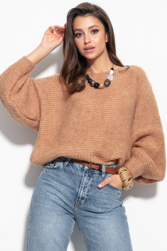 Luźny sweter o oversizowym kroju - F1102-carmel-3