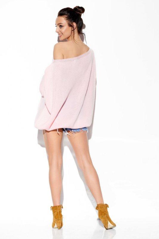 Modny oversizowy sweter odsłaniający ramię -StreetStyle LS277-pudrowy róż-1