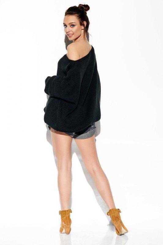 Modny oversizowy sweter odsłaniający ramię -StreetStyle  LS277