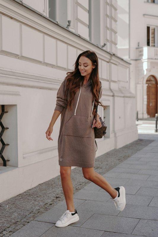Swetrowa sukienka sportowa z kieszenią -  LSG132 - capucino-2
