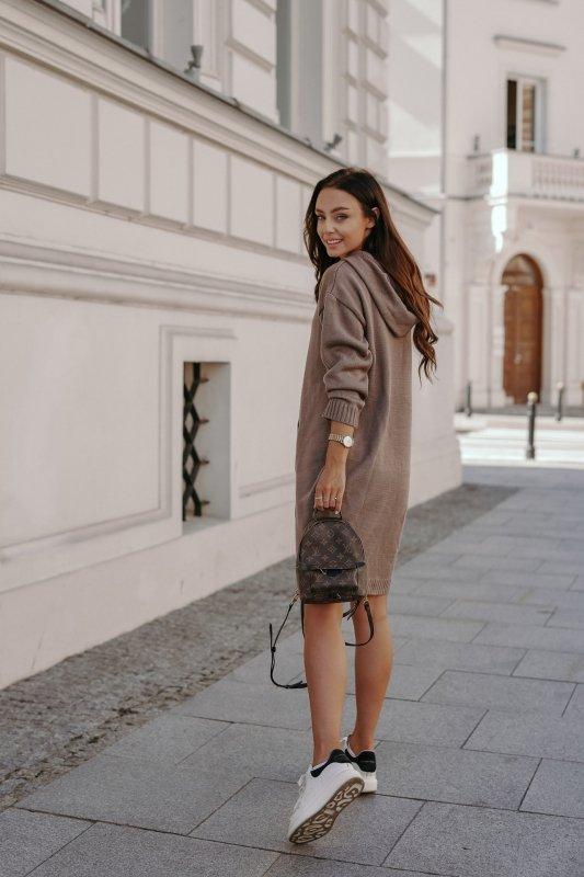 Swetrowa sukienka sportowa z kieszenią -  LSG132 - capucino-6
