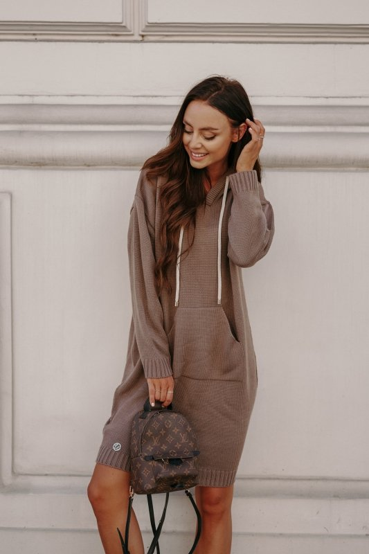 Swetrowa sukienka sportowa z kieszenią -  LSG132 - capucino-7