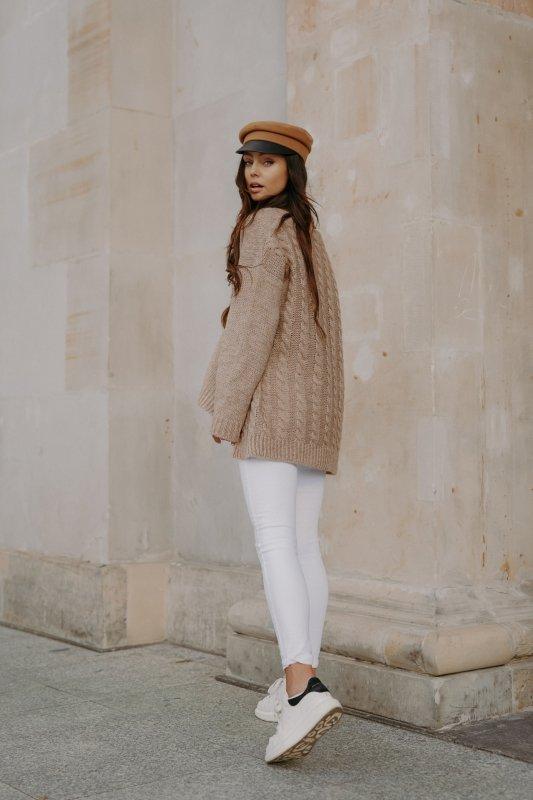 Sweter z guzikami i dłuższym tyłem - LS307-capucino -9