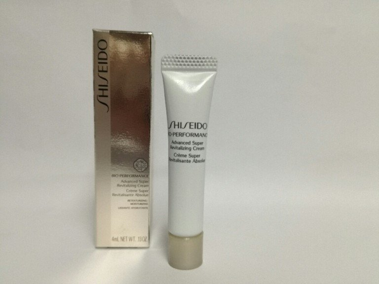 Shiseido Bio-Performance Advanced Super Revitalizing Cream Rewitalizujący krem do twarzy 4 ml