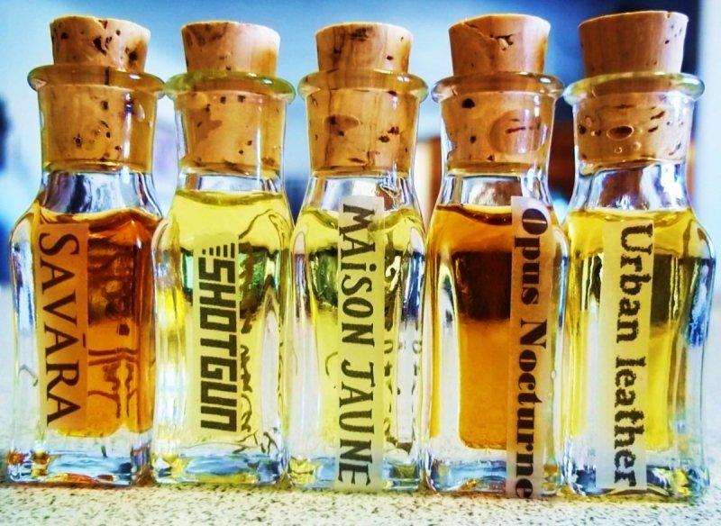 Robbie VanGogh Maison Jaune perfumy dla kobiet i mężczyzn 3 ml