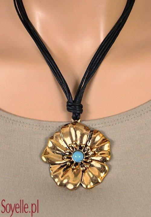 ZŁOTY kwiat z niebieskim oczkiem - naszyjnik na czarnym sznureczku