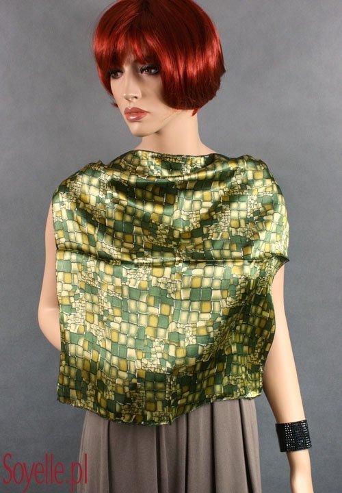 AP010 satynowa zielona chustka we wzory mała gawroszka