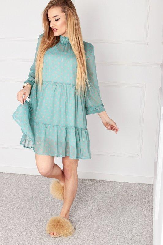 tiulowa sukienka ze stójką i falbanami