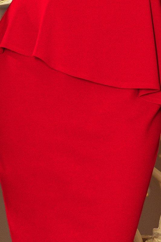 dopasowana sukienka z asymetryczną baskinką