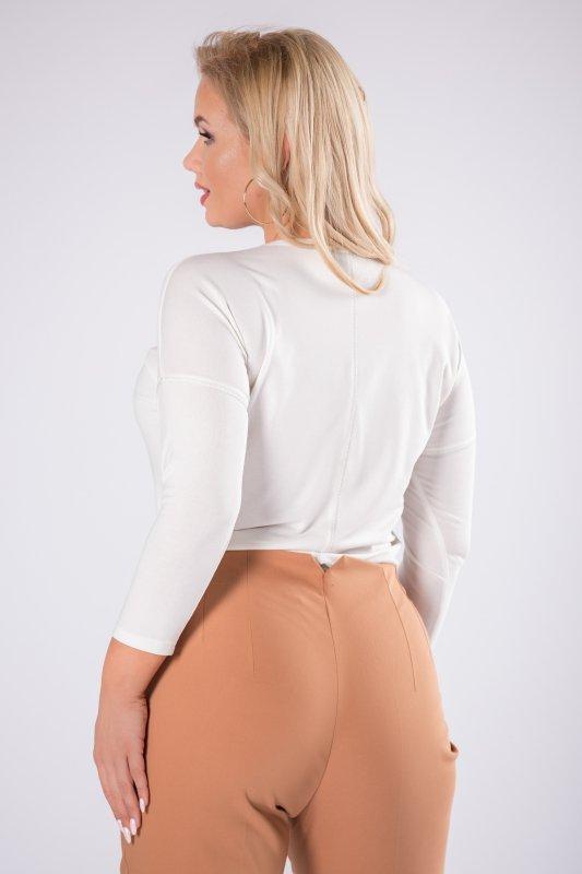 dopasowana bluzka z kryształkami na biuście