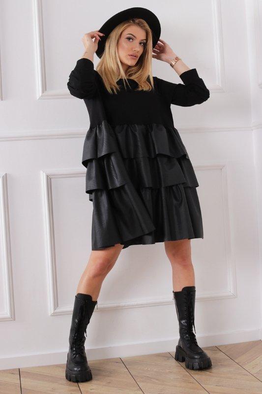 trapezowa sukienka z falbanami ze sztucznej skóry