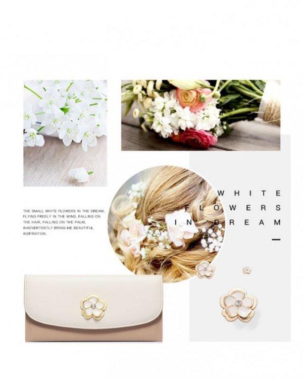 Portfel, beż i ecru z kwiatkiem przy zapięciu