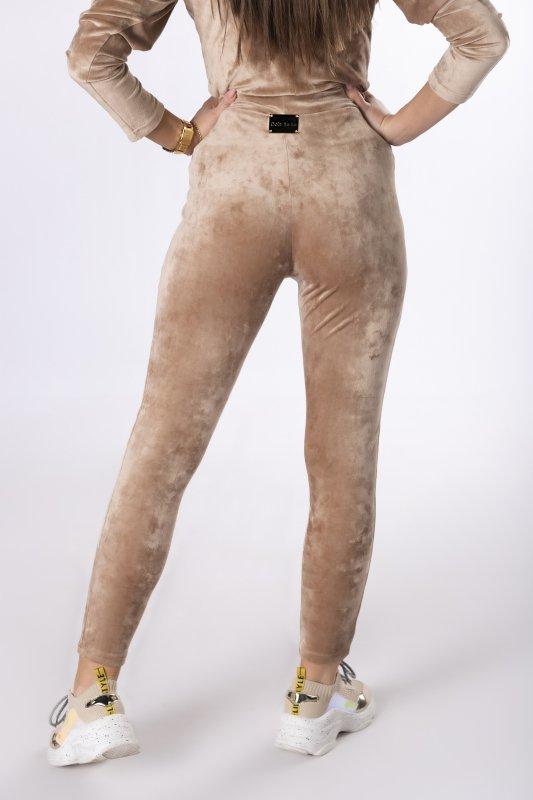 welurowe legginsy o dopasowanym kroju