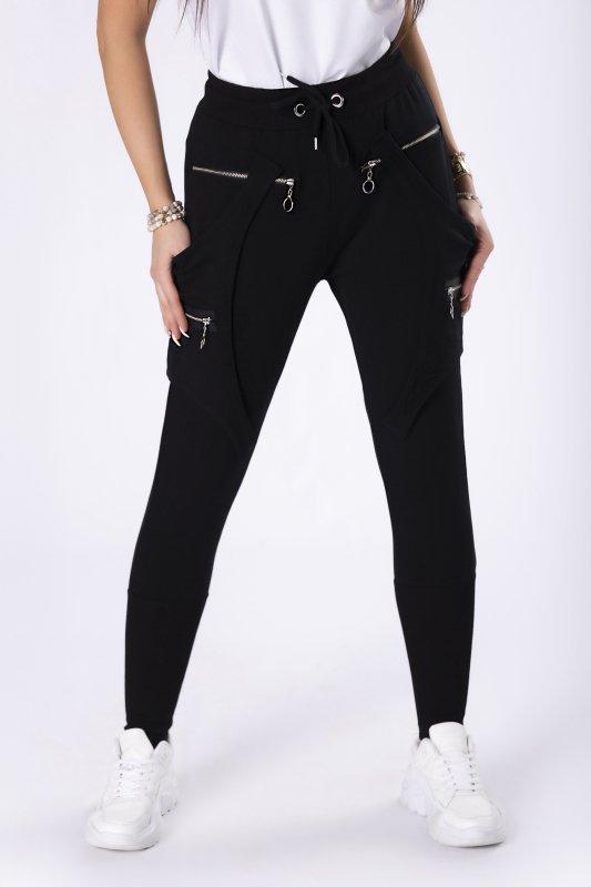 dresowe spodnie z szelkami