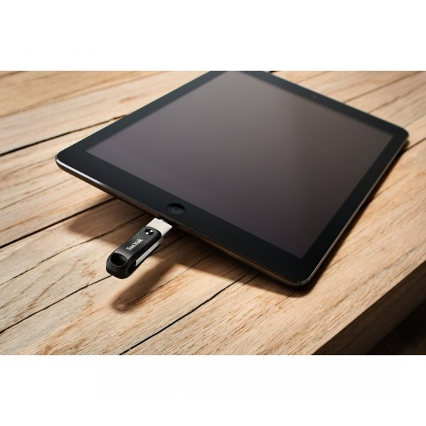 IxPand-128GB-USB-Flash-Drive-iPhone-iPad-SanDisk