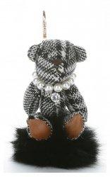 Přívěšek ke kabelce Káro medvídek v náhrdelníku z perel na pompomu černý