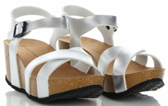 6fb13681c84c0 Stylowe Buty Damskie Koturny firmy Ideal Shoes Srebrne ...