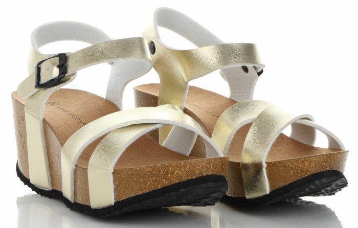 66cdd884724d8d Stylowe Buty Damskie Koturny firmy Ideal Shoes Złote - Panitorbalska.pl