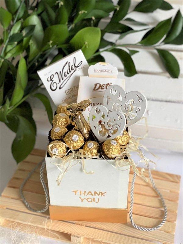 Pudełko gift box Wielkanocny z Ferrero Rocher