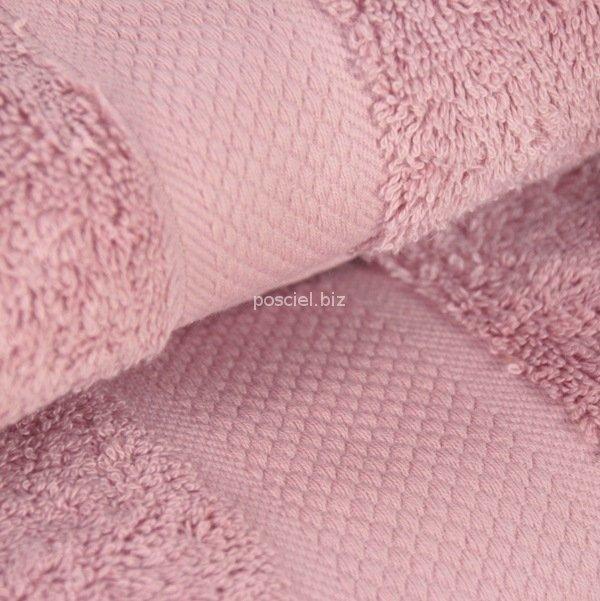 Ręcznik jednolity jasny różowy 700g - 50x100