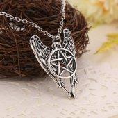 Skrzydła i Pentagram - naszyjnik