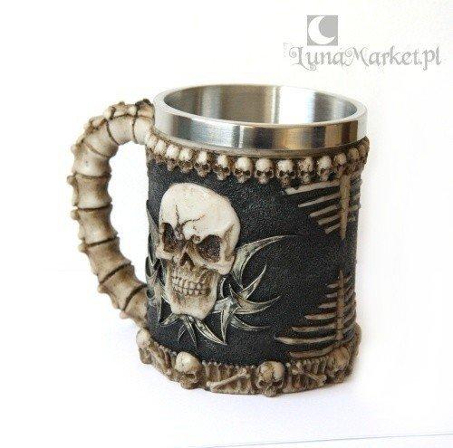 gotycki kufel dekoracyjny z czaszkami