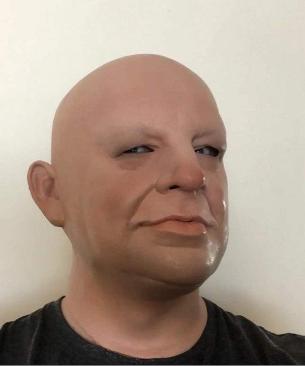 Maska staruszka widok z boku