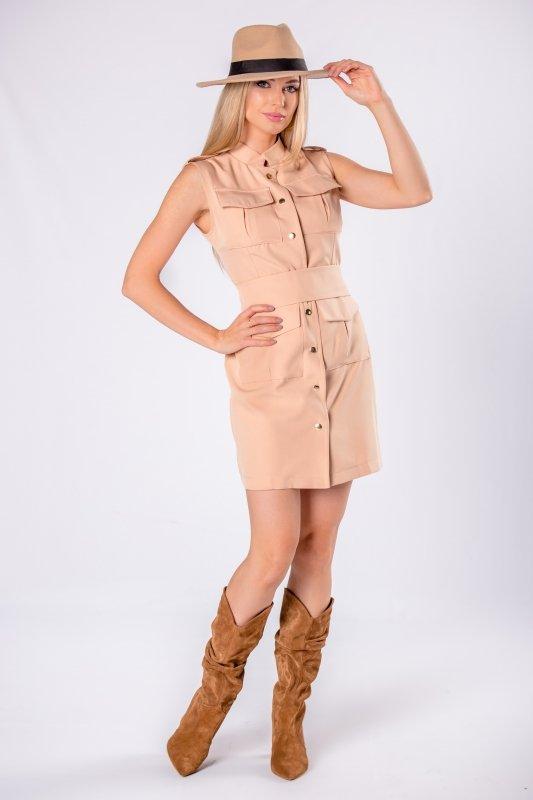 sukienka szmizjerka z szerokim pasem w talii i odkrytymi ramionami