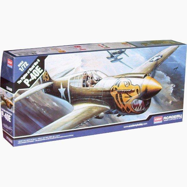 ACADEMY Curtiss P-40E Wa rhawk