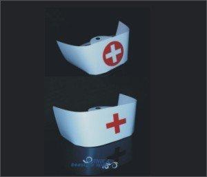 Czepek pielęgniarki z białym krzyżem