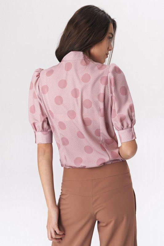 Różowa bluzka z wiązaniem na dekolcie w grochy B111 Pink - Nife