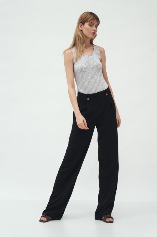 Czarne spodnie z zakładkami typu palazzo SD58 Black - Nife