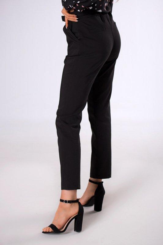 klasyczne spodnie z paskiem