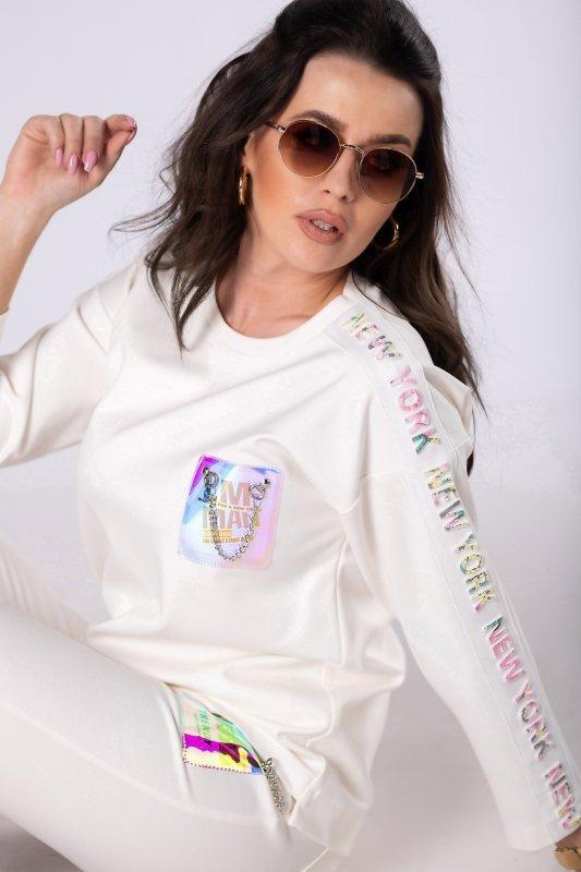 dresowa bluza z holograficzną aplikacją