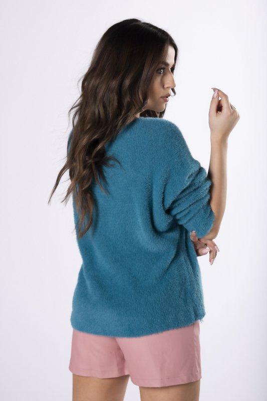 sweter a'la alpaka z dekoltem V