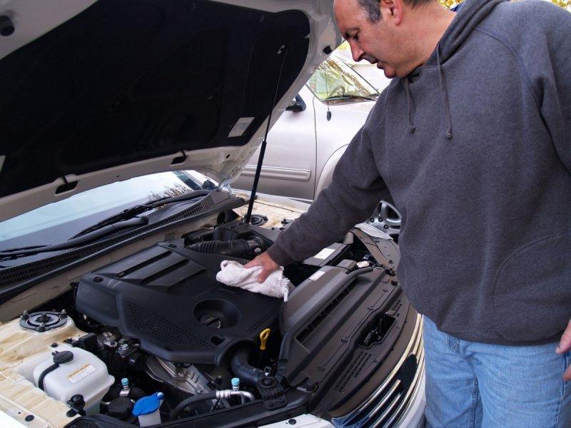 Preparat do mycia silników, narzędzi, posadzek i wielu innych powierzchni zabrudzonych tłustymi plamami i smarami - Super Motor