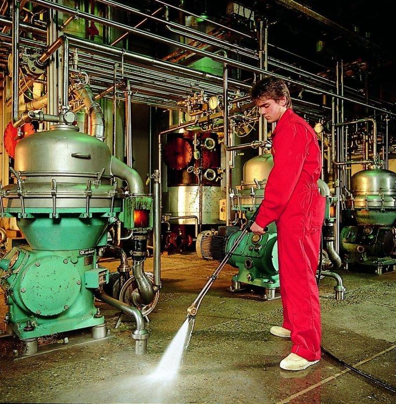 Preparat dwuwarstwowy do mycia, do silnie zabrudzonych powierzchni - Super Van DW