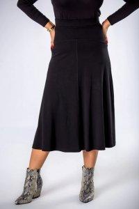 dzianinowa spódnica midi o trapezowym kroju