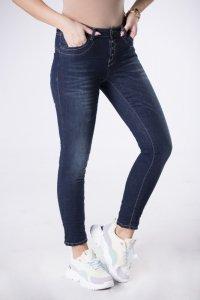 jeansy z efektem gniecenia
