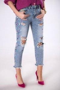 jeansowe spodnie z kolorowym wykończeniem